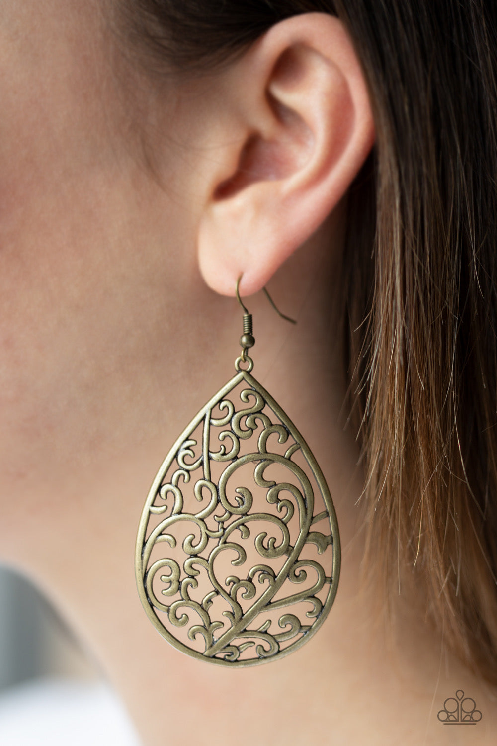 Paparazzi Grapevine Grandeur - Brass Earrings