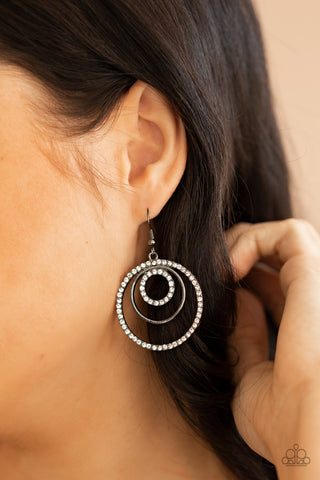Paparazzi  Bodaciously Bubbly - Black Earrings
