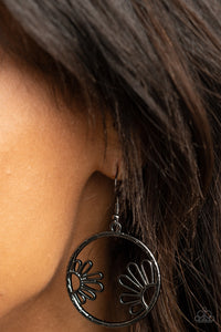 Paparazzi Demurely Daisy - Black Earrings