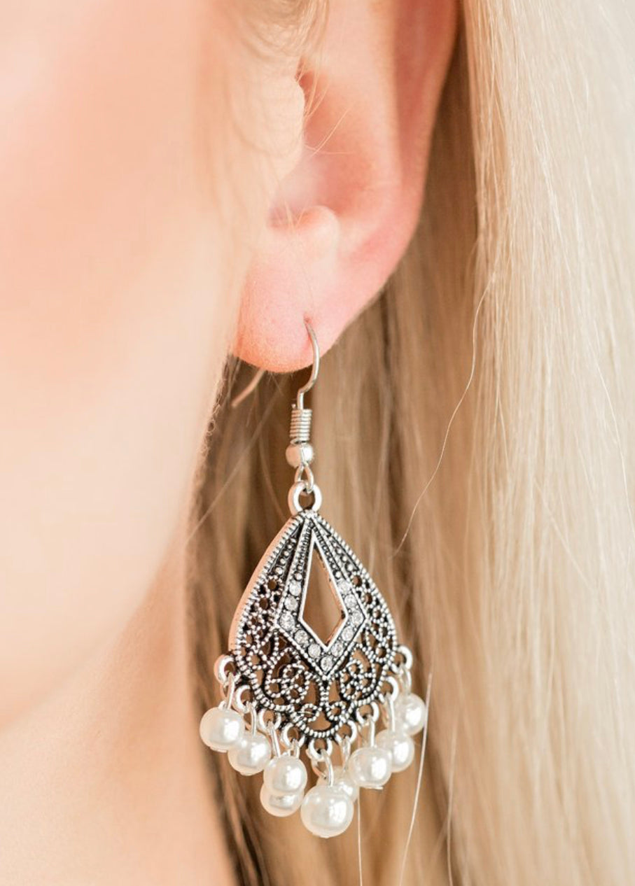 Paparazzi Gracefully Gatsby - White Earrings