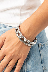 Paparazzi Living Off The GRIT - Silver Bracelet