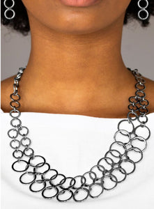 Paparazzi Metro Maven - Black Necklace
