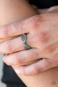 Paparazzi Extra Side of Elegance Silver Ring