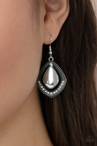 Paparazzi Fearlessly Feminine Black Earrings