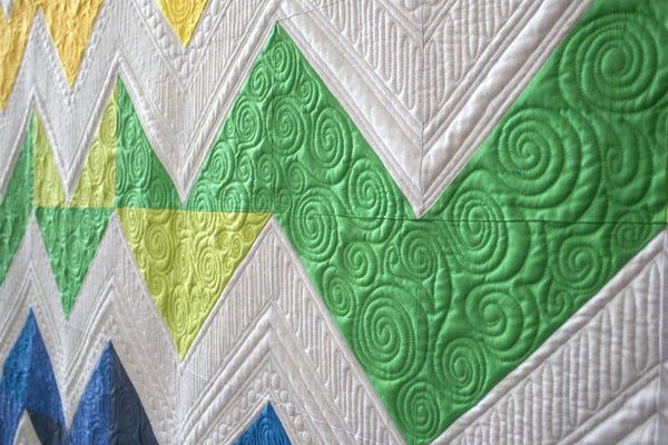 ZigZagNoli - fat quarter quilt quilting closeup