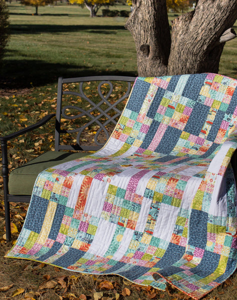 Meander - a  fat quarter friendly quilt pattern
