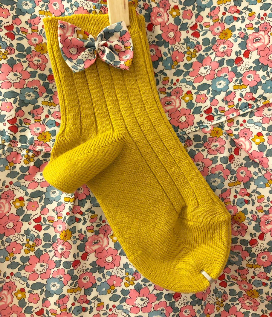 Lula Mustard/Betsy Ann Pink Bow Ankle Socks