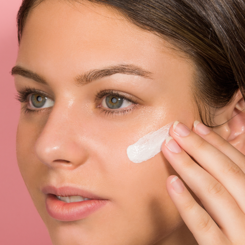 8 Ways to Make Your Foundation Look Natural, Not Cakey