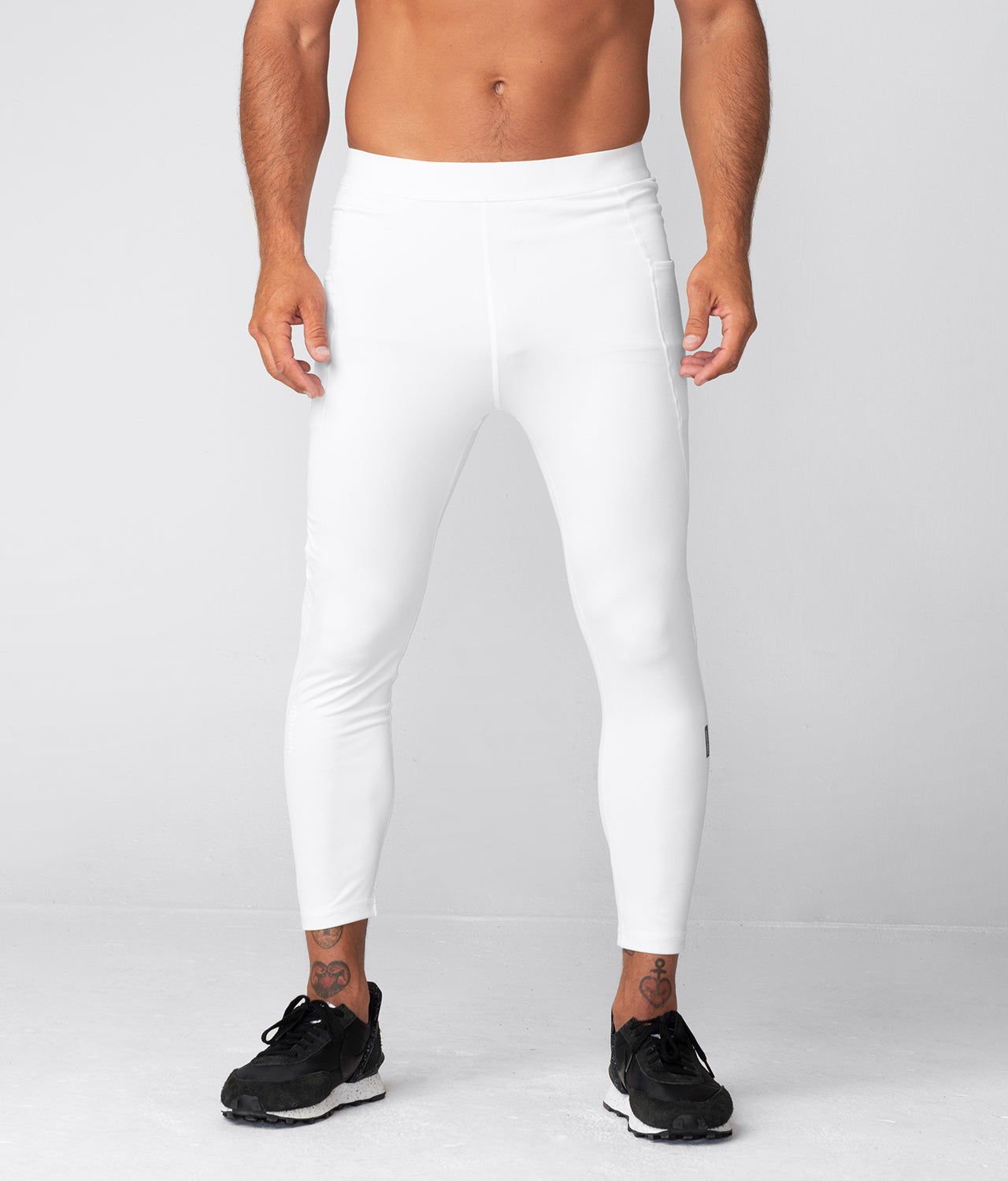 Born Tough Side Pockets Compression Signature Elastane Blend Gym Workout Pants For Men White