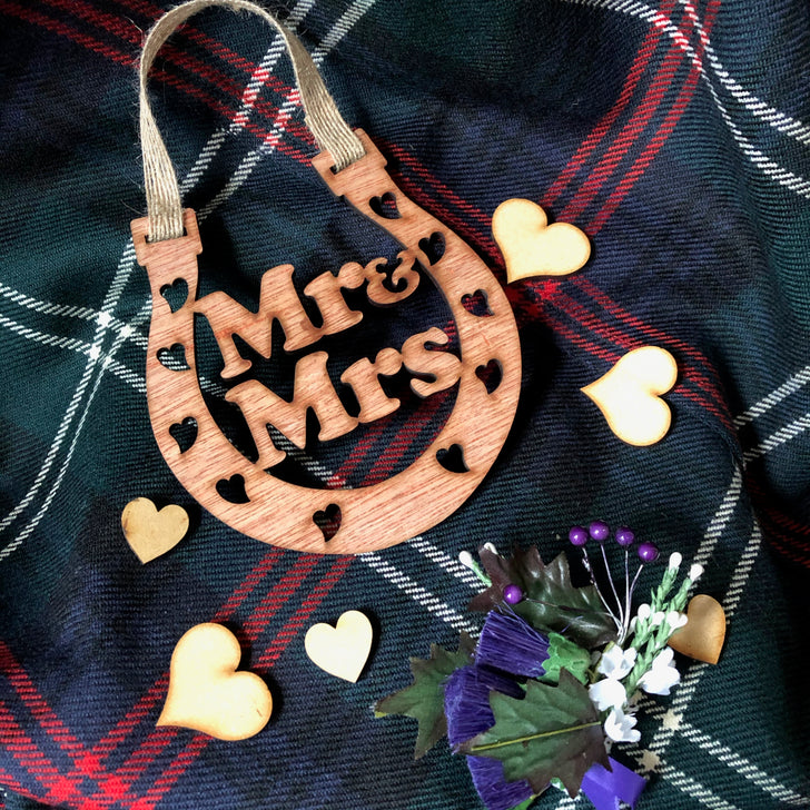 Wooden horseshoe - Mr & Mrs