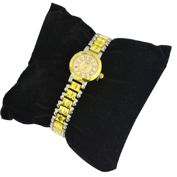 Ladies Modern classic design, Mesh metal Watch