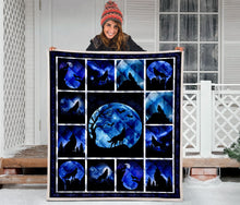 Load image into Gallery viewer, Wolf Silhouette Howling At Moon H247047 - Quilt Blanket