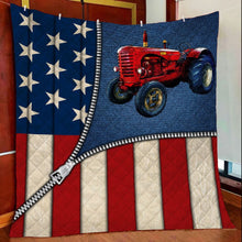 Load image into Gallery viewer, US Flap Zipper Red Tractor G5804 - Quilt Blanket