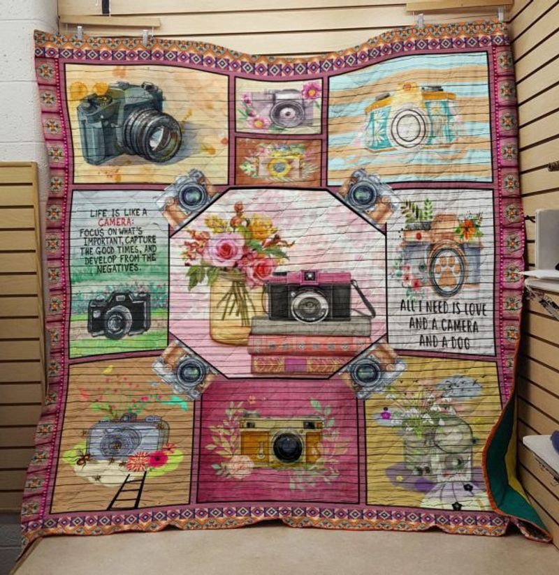 I Need My Camera Photograph - Quilt Blanket