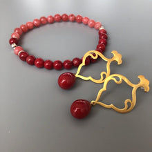 Load image into Gallery viewer, Natural Red Coral Stretch Bracelet