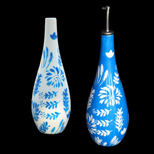 JARDINS BLEUS Co ordinating olive oil bottles in hand painted porcelain, gift boxed
