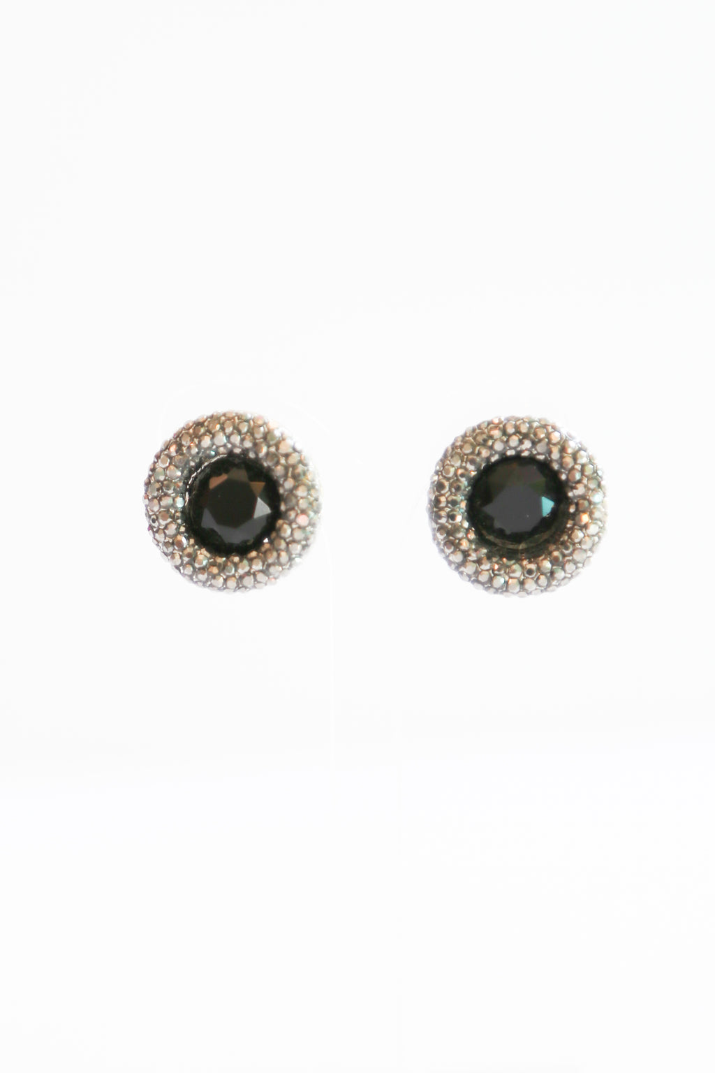 BLACK GEM STONE STUDS - chique boutique