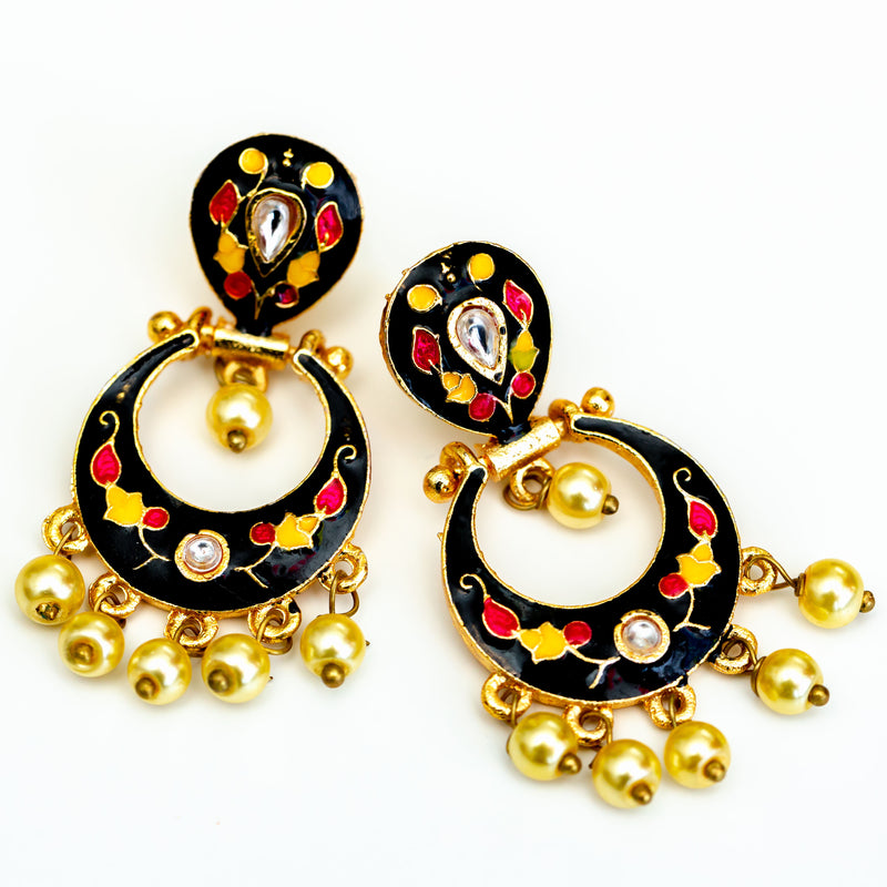 BLACK RED LAC EARRINGS