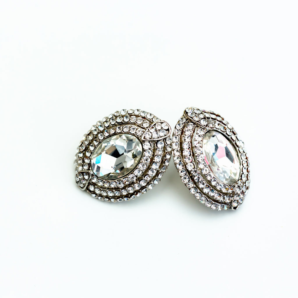 CRYSTAL OVAL EARRING - chique boutique