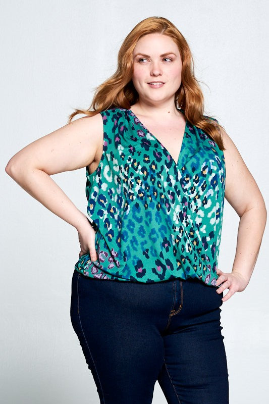 SLEEVELESS ANIMAL PRINT TOP