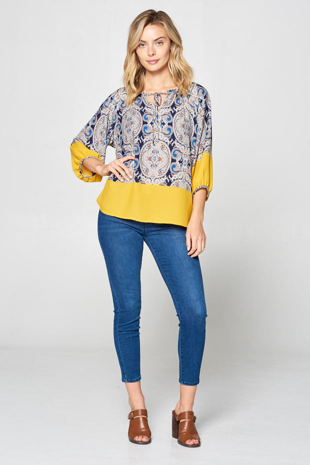 PRINT 3/4 SLEEVE TOP WITH FRONT TIE