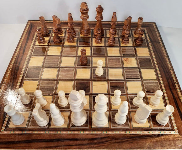 Wooden Chess Board with 32 wooden chess pieces