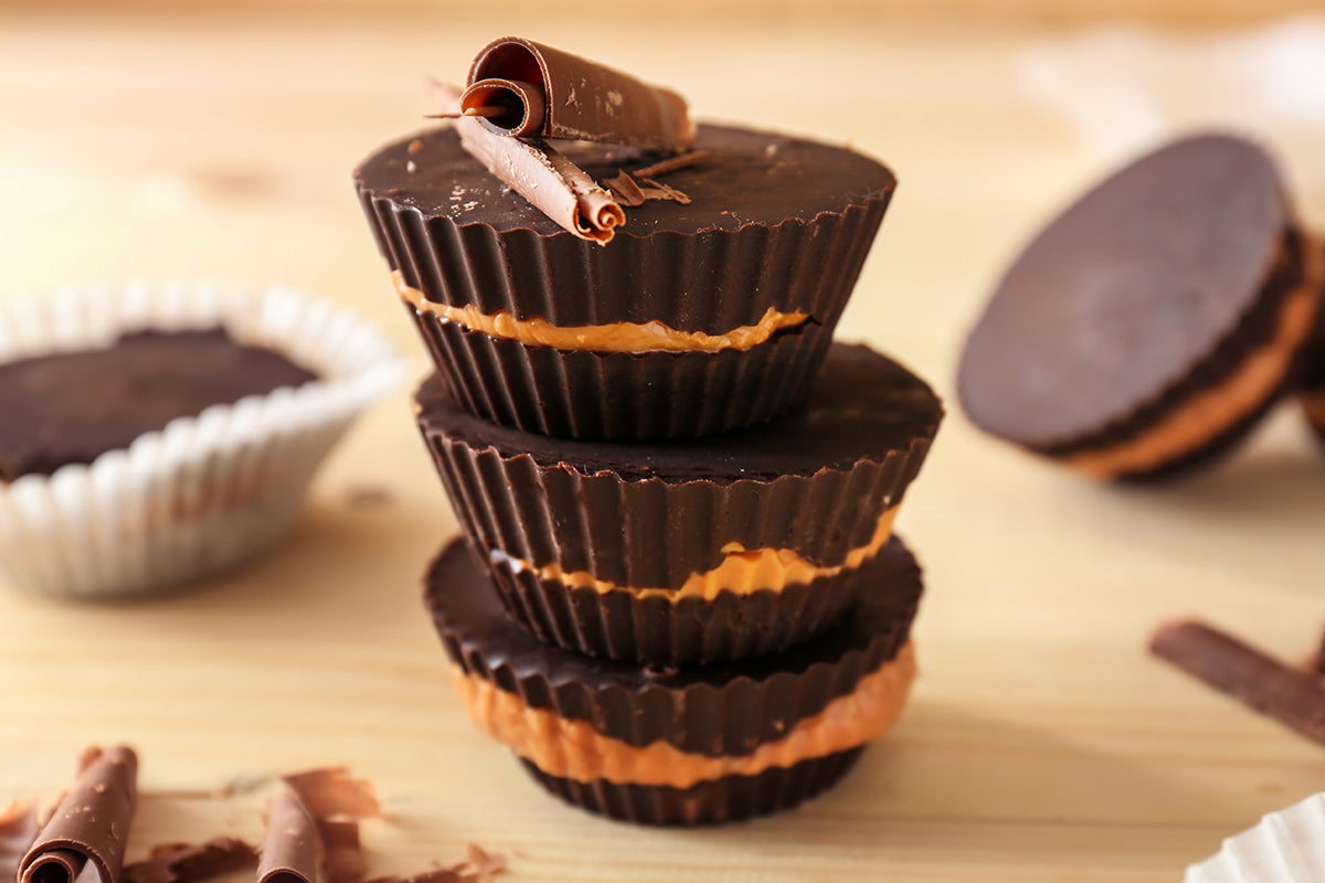 almond butter chocolate cups with cbd oil