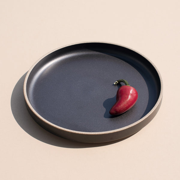 "7.3"" Ceramic Dinner Plate in Black"