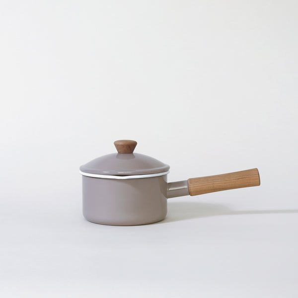 Enamel Milk Pan in Beige