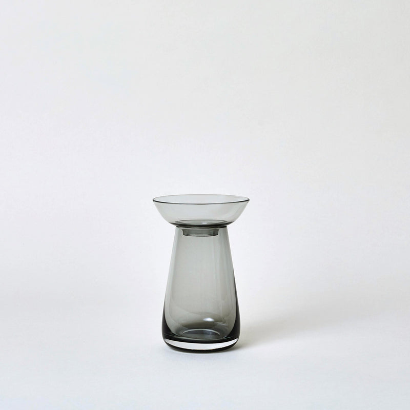 mogutable - small gray glass vase by Kinto