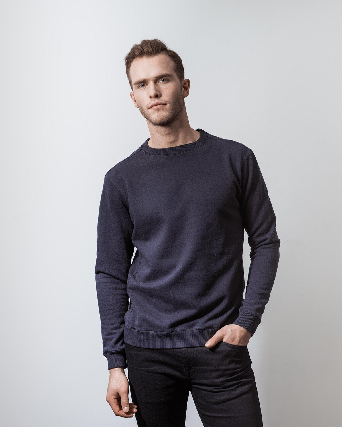THE SWEATSHIRT NAVY