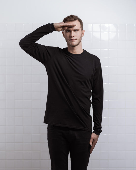 THE LONG SLEEVE BLACK