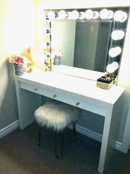Mercilessly Beautiful Makeup Vanity With Lights
