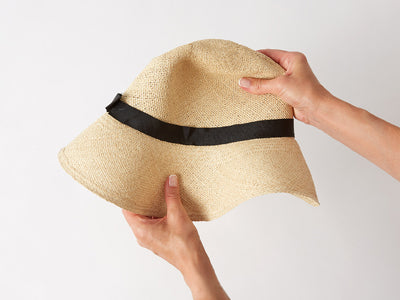 Rolling a Panama Hat Kinderwilder