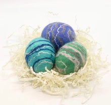 Load image into Gallery viewer, FELTED WOOL EGG SOAPS