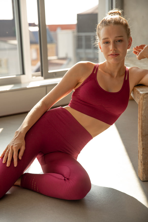 COSETTE RED YOGA SET