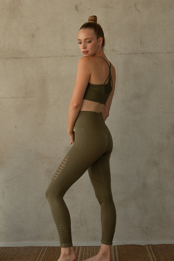 COSETTE ARMY GREEN YOGA SET