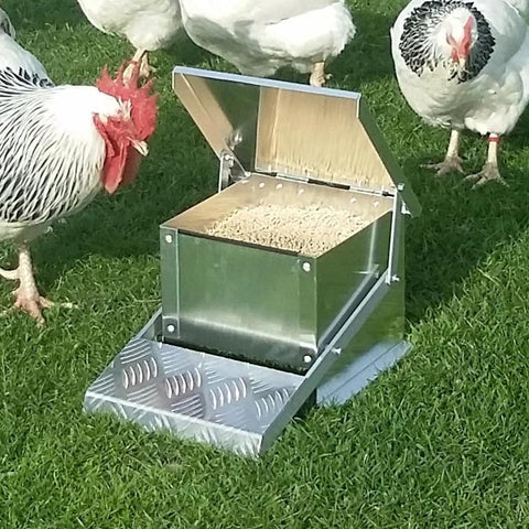 Appletons Mini Step On Feeder 6kg - Available for PRE-ORDER