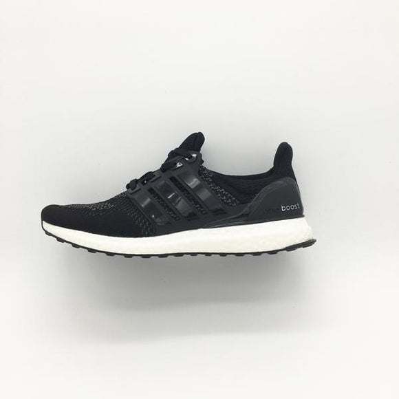 official photos 9fd50 ba0de Adidas Ultra Boost Black