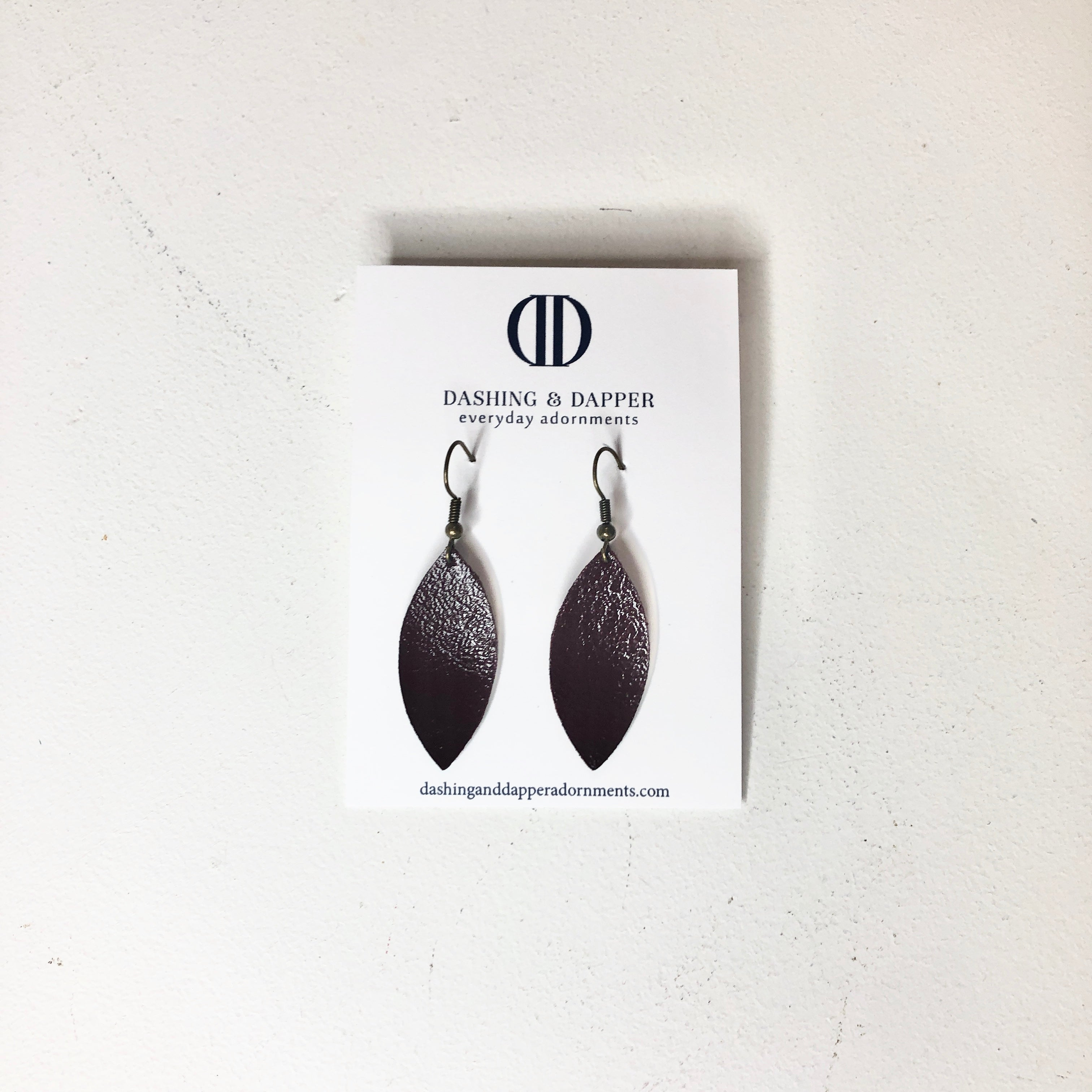 D&D Small Leather Earrings - Textured Seal Brown