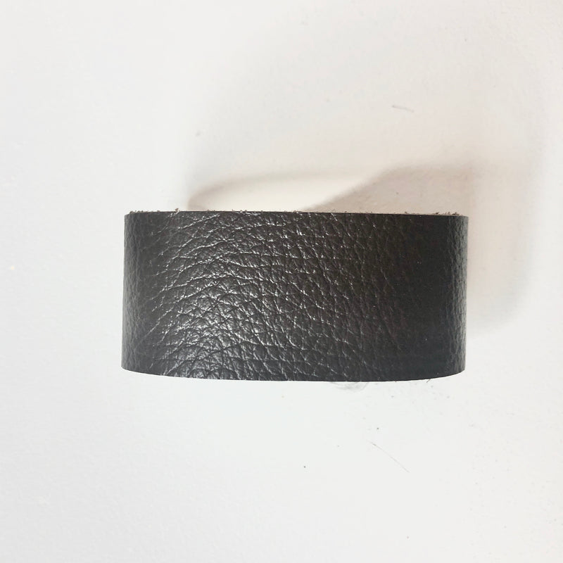 D&D Leather Bracelet - Solid Brown