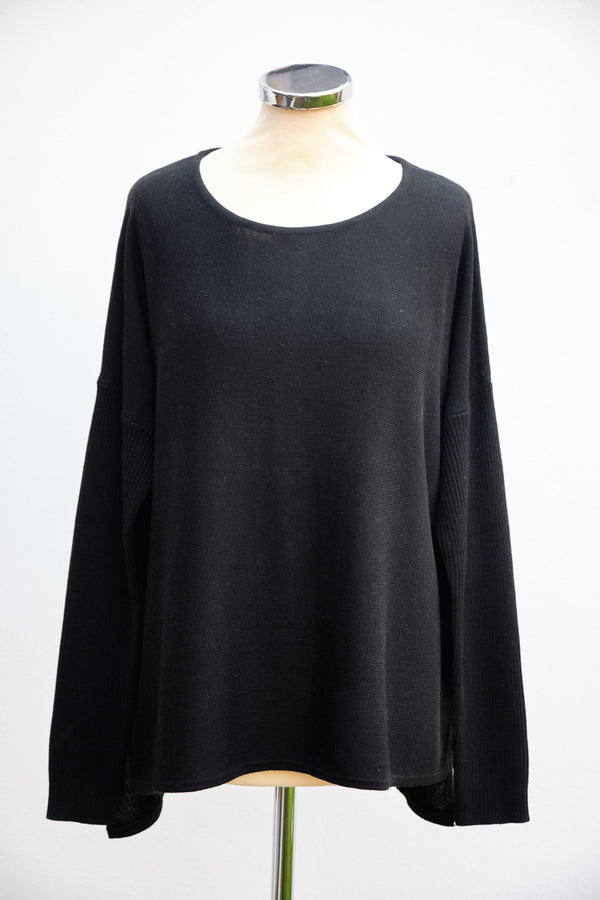 Button back jumper, Black