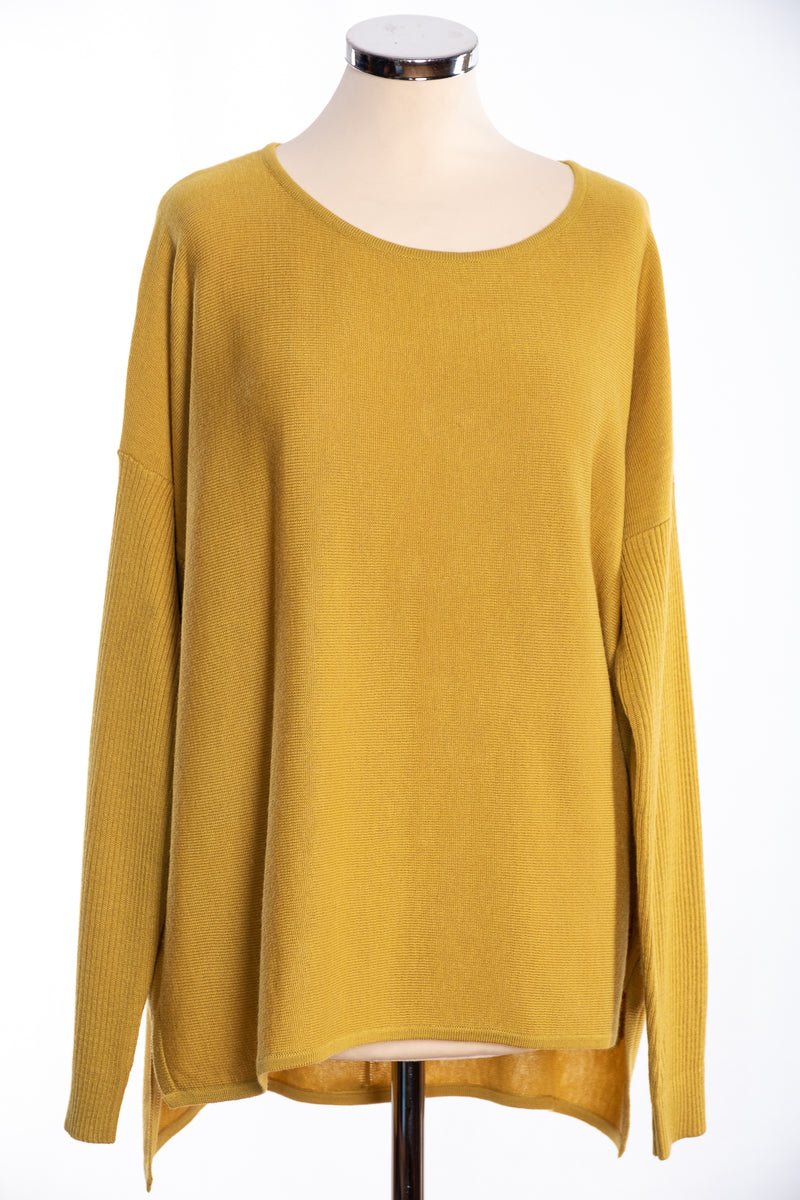 Bow backed jumper, mustard