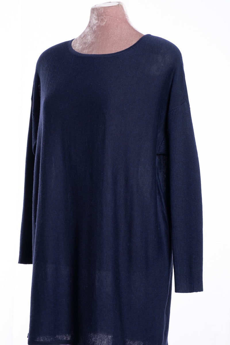 Ginger Toby bow backed tunic, navy, front view