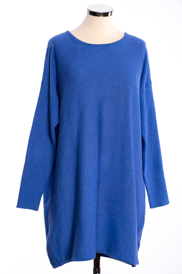 Ginger Toby bow backed tunic, blue, front view