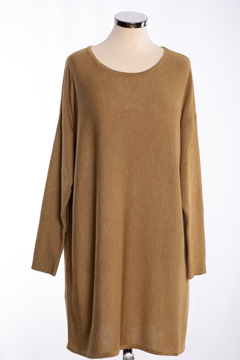 Ginger Toby bow backed tunic, pale olive, front view
