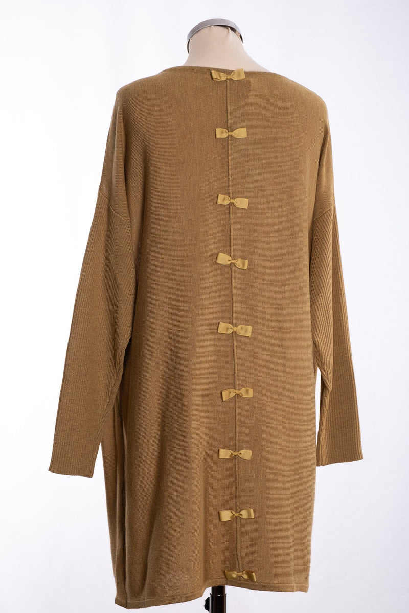 Ginger Toby bow backed tunic, pale olive, rear view