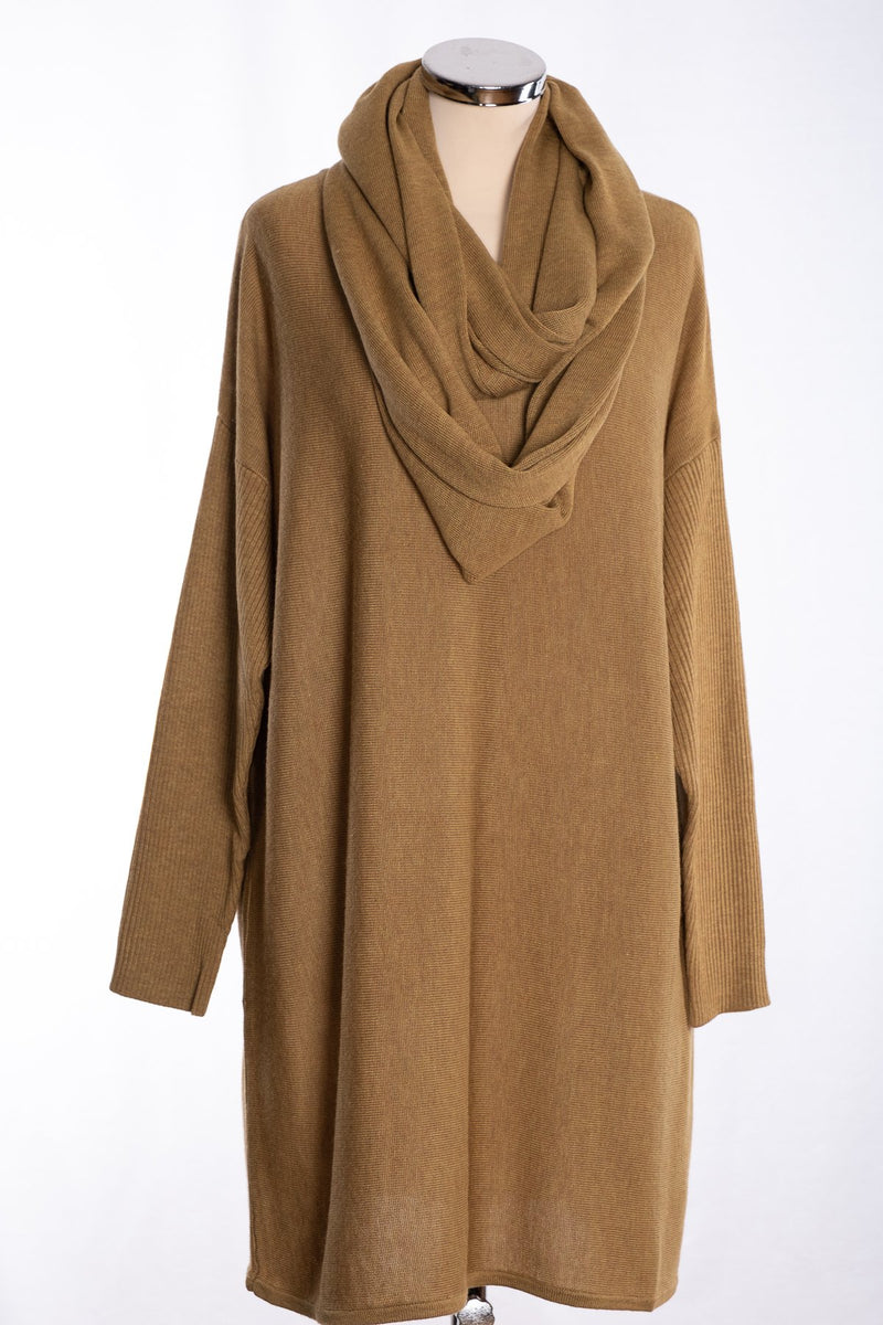 Ginger Toby bow backed tunic, pale olive, view with snood