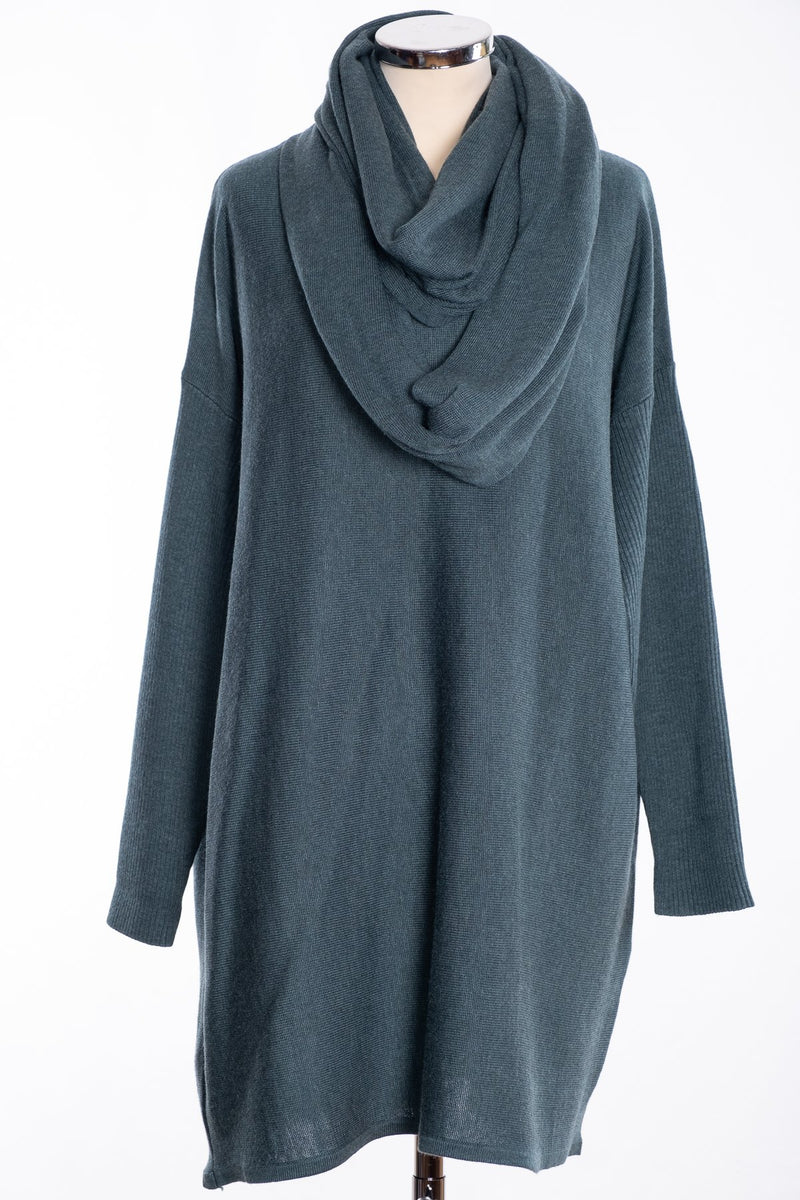 Ginger Toby bow backed tunic, kale, view with snood