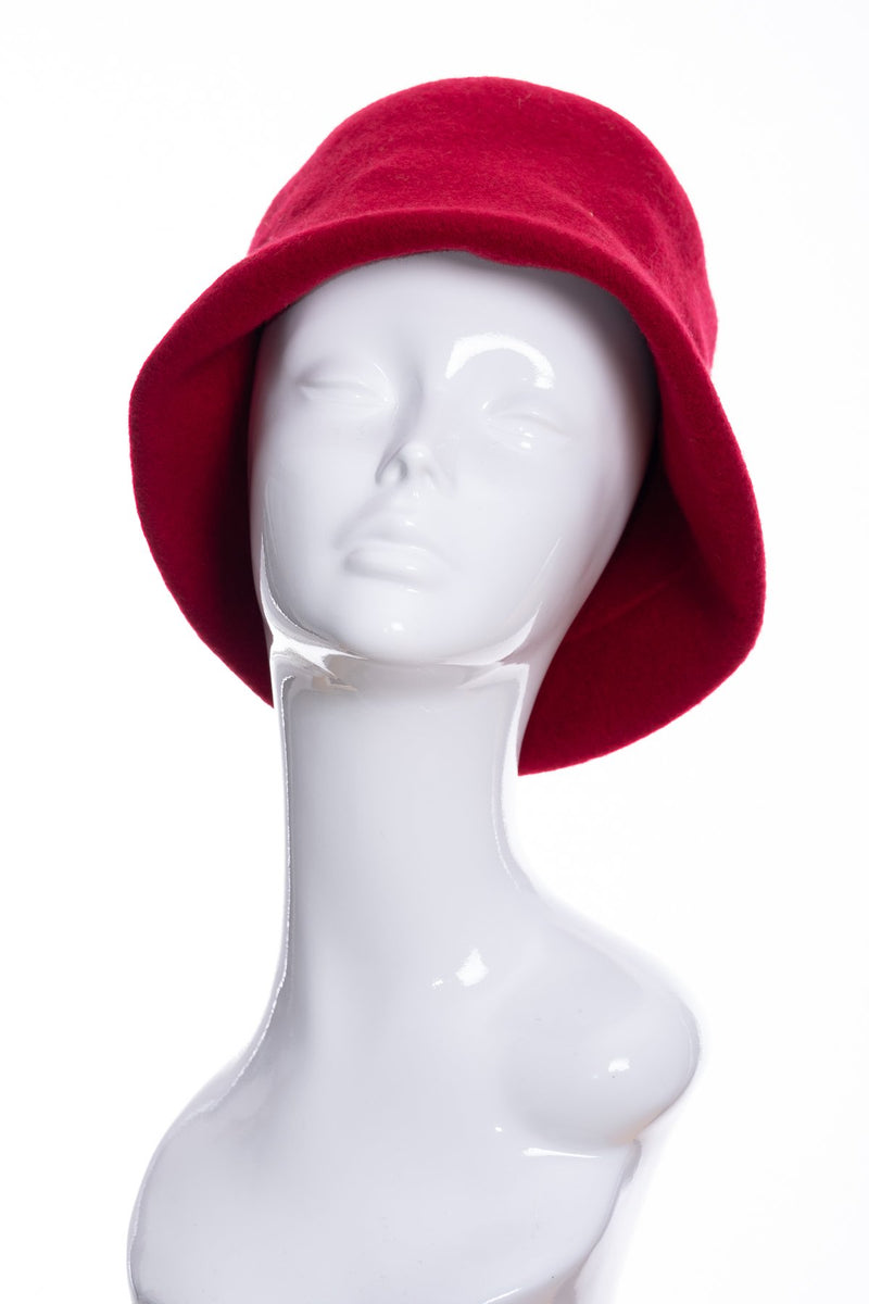 Kopka merino wool cloche hat, cherry, front view